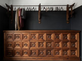 Antike Garderobe